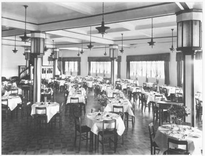 embassy ballroom dining room